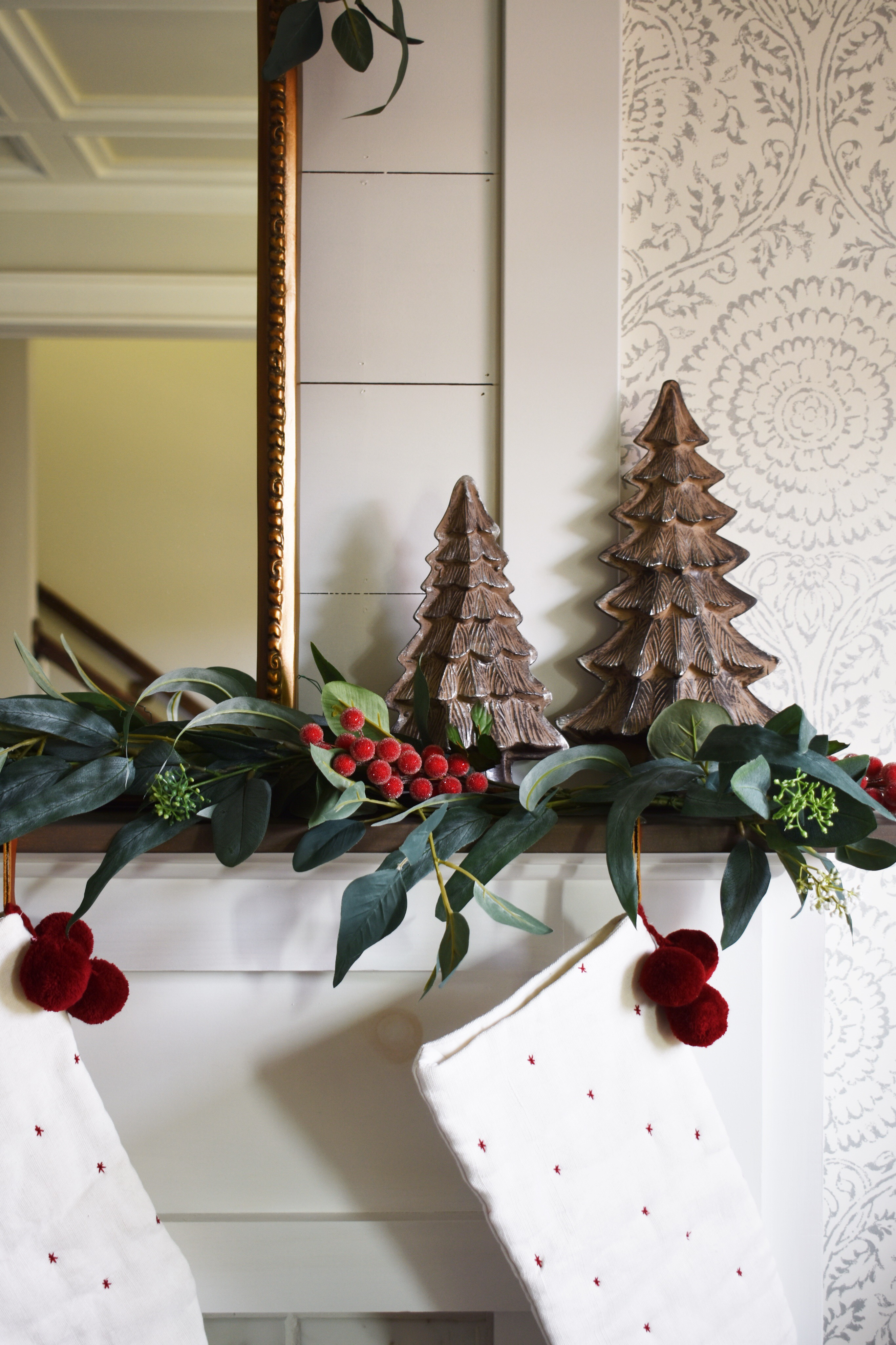 My simple formula for a Festive Fireplace