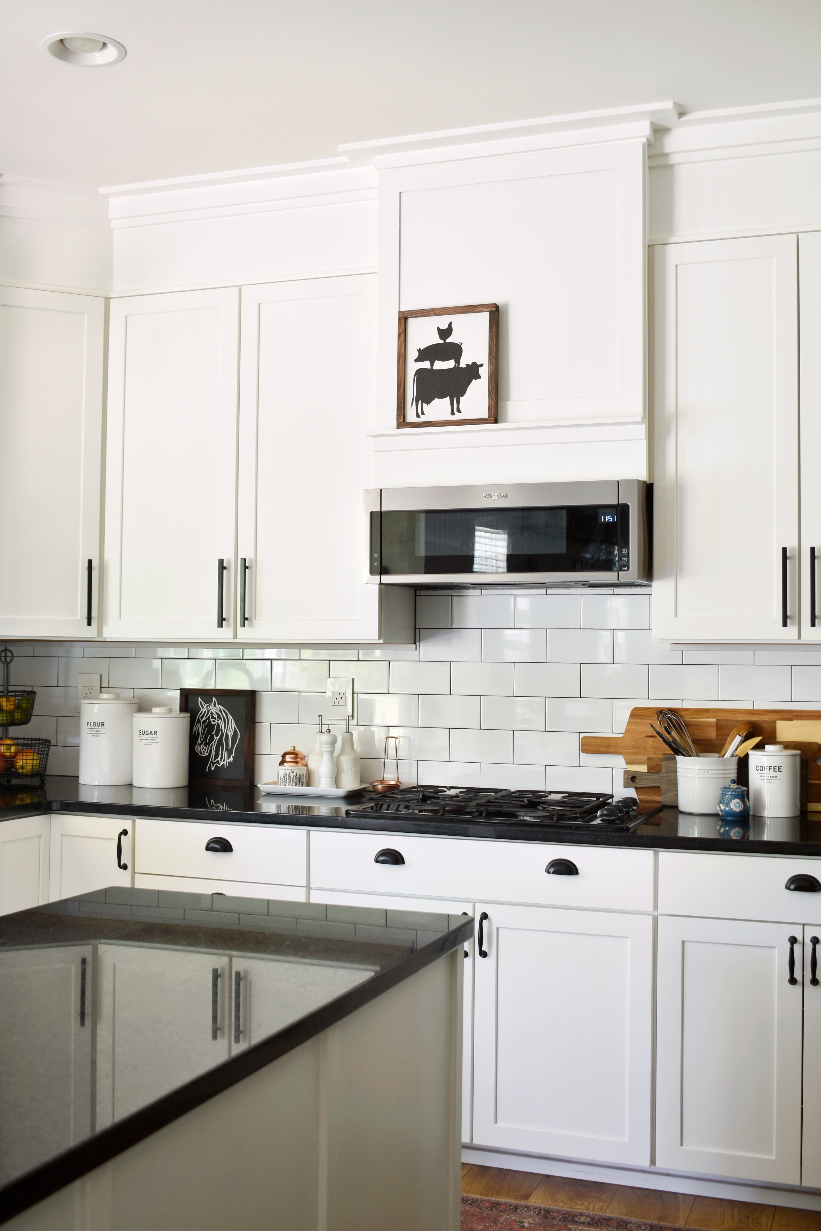 How to Make a Builder Grade Kitchen look Custom